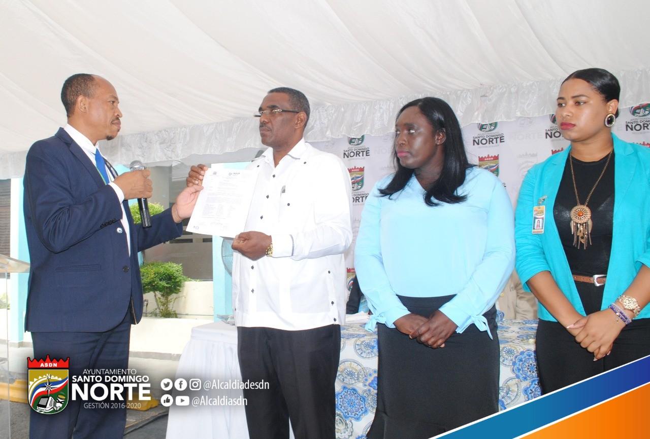 Juramentan Asociación de Servidores Públicos del Ayuntamiento de Santo Domingo Norte