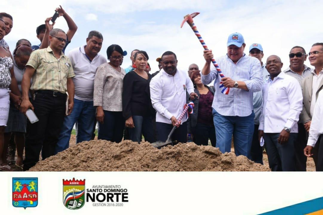 CAASD y ASDN inician construcción viviendas para 52 familias afectadas por saneamiento cañada Los Platanitos en Guaricano