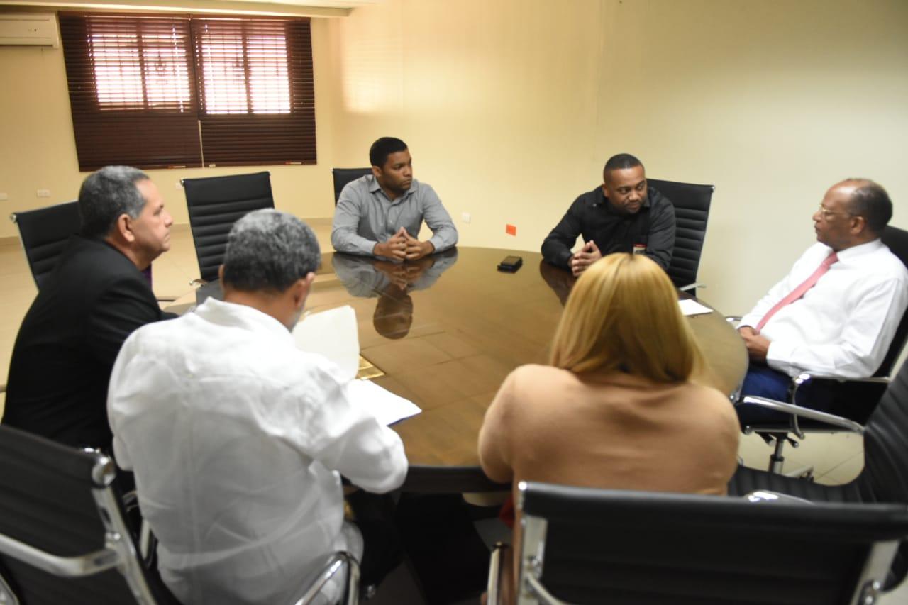 Alcalde René Polanco solicita a la OMSA nuevo corredor ejecutivo para el municipio SDN