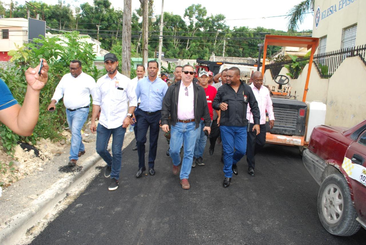 Alcalde René Polanco recorre Vieja Barquita de Sabana Perdida