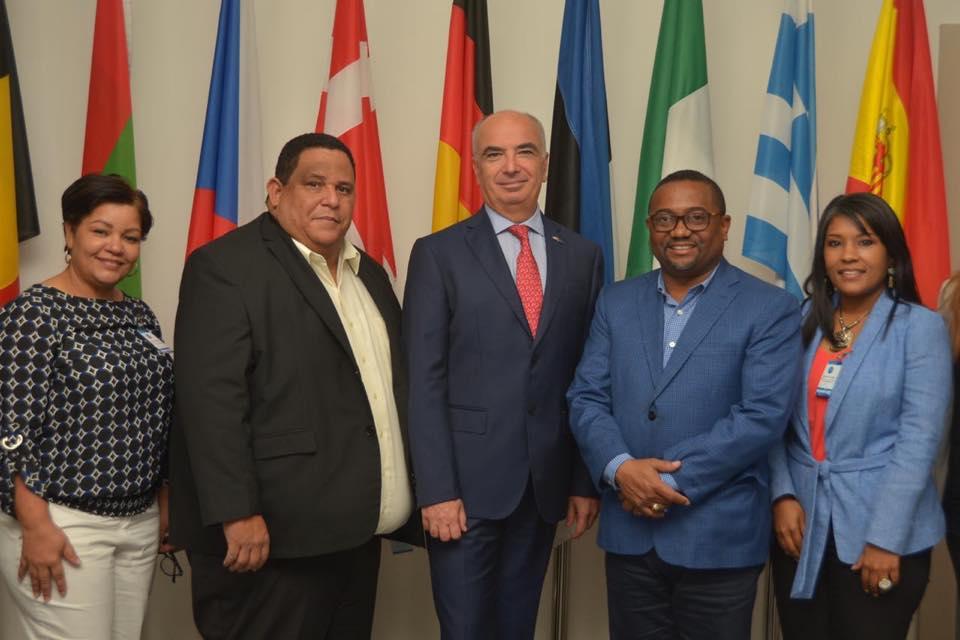 FEDOMU y el alcalde René Polanco plantean a embajador UE posibles alternativas para vertedero Duquesa