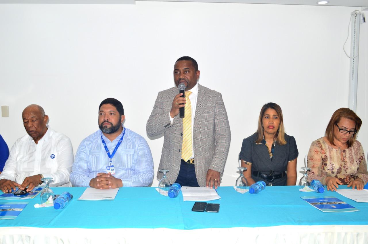 la Alcaldía Santo Domingo Norte y  El Ministerio de Trabajo realizan encuentro del Primer Empleo con empresarios.