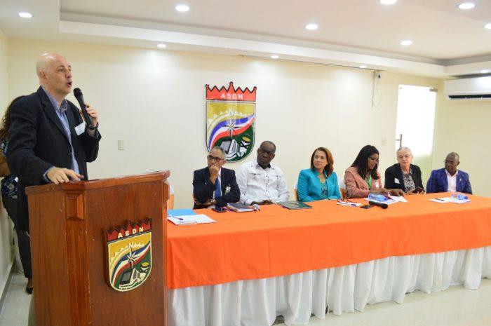 El Ministerio de Administración Pública (MAP) realizó la mañana de este lunes un conversatorio sobre la Carrera de Administrativa de la Función Pública   dirigido a regidores y funcionarios de la Alcaldía de Santo Domingo Norte