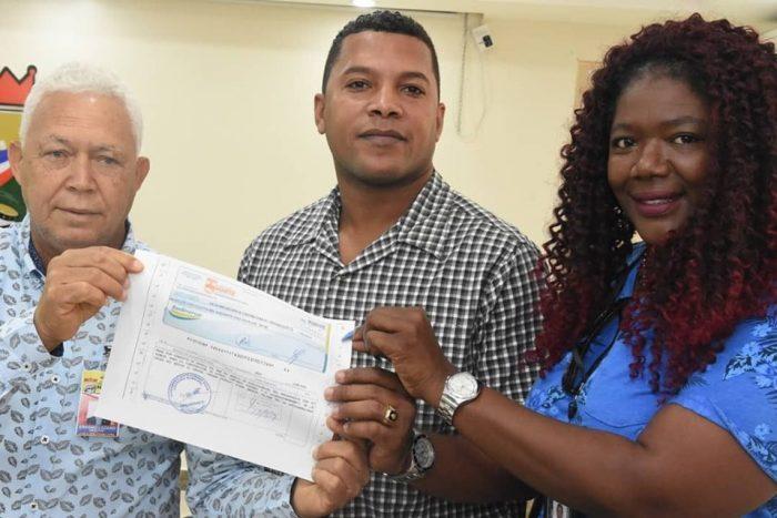 Alcaldía SDN entrega a ingenieros partida del presupuesto participativo y general para construcción de obras municipales