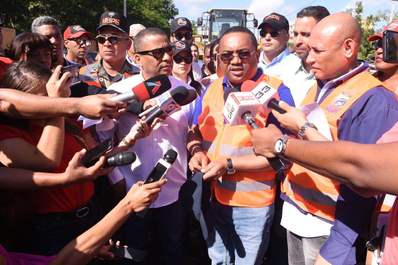 """Alcalde Santo Domingo Norte y ministro Obras Públicas lanzan operativo """"Diciembre Limpio"""" 2019"""