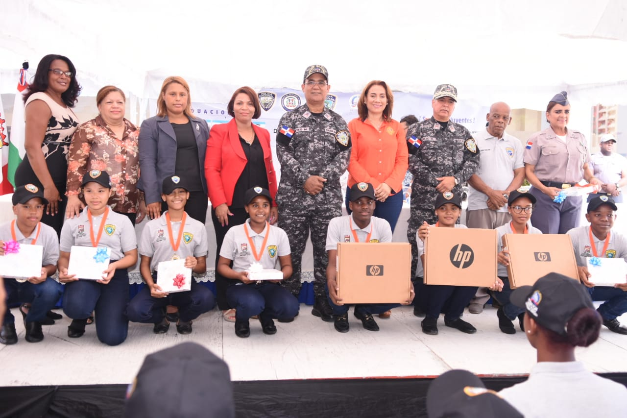 Alcaldía de Santo Domingo Norte y PN realizan graduación 231 nuevos Policías Juveniles Comunitarios